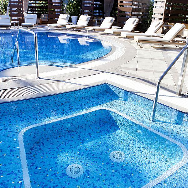 Crown Resort Perth, Western Australia swimming pool glass mosaics by www.ctsupplies.com.au 5