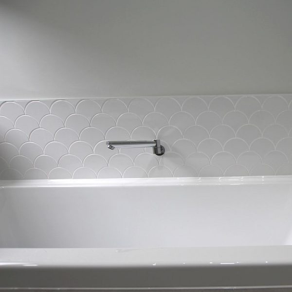 Scales White Gloss Mosaic 7