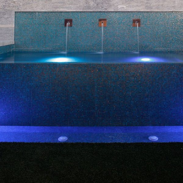 Luxury swimming pool glas mosaics perth www.ctsupplies.com.au 10