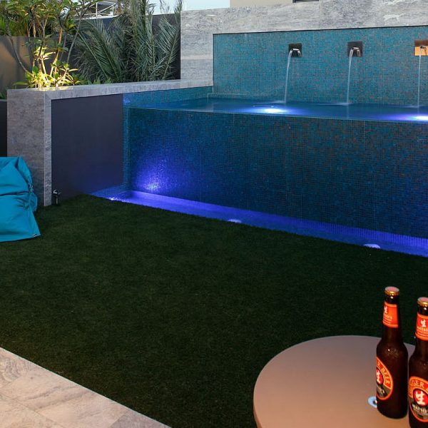 Luxury swimming pool glas mosaics perth www.ctsupplies.com.au 11
