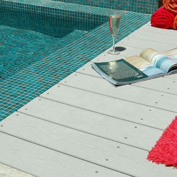 Luxury swimming pool glas mosaics perth www.ctsupplies.com.au 17