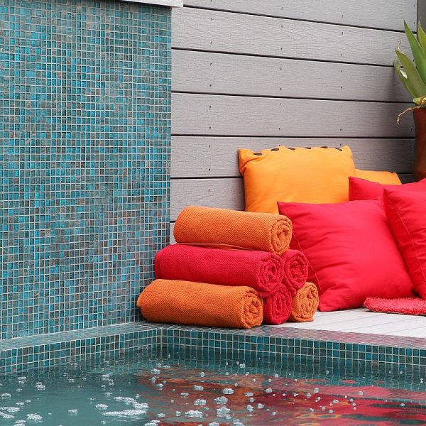 Luxury swimming pool glas mosaics perth www.ctsupplies.com.au 3