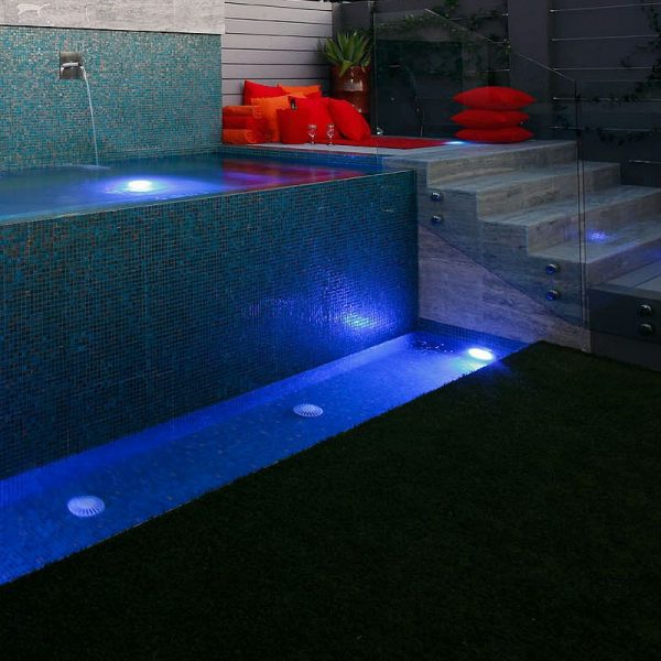 Luxury swimming pool glas mosaics perth www.ctsupplies.com.au 9