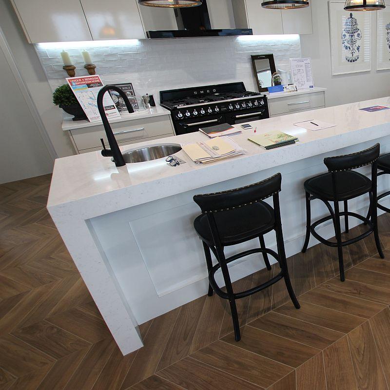 Your complete rundown to choosing kitchen floor tiles 15