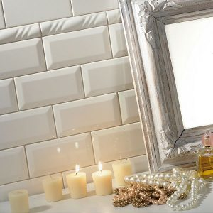 Victorian Bianco Diamond Lucido bevelled subway tiles