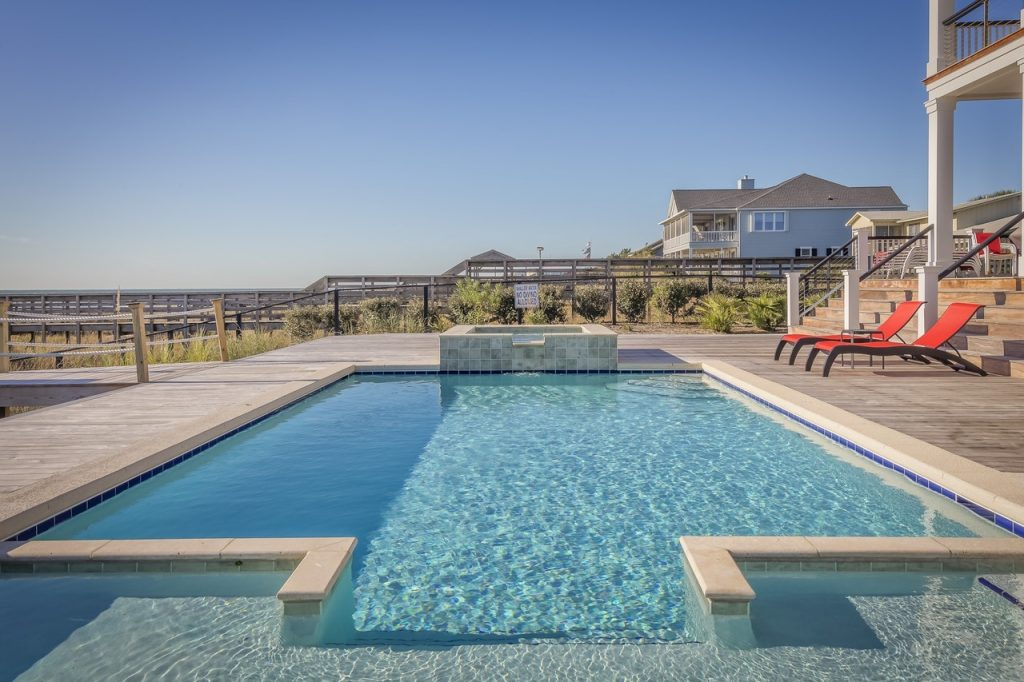 Pros & Cons of a tiled pool 1